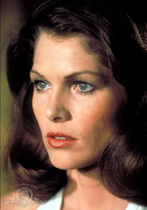 Lois Chiles sexy eyes