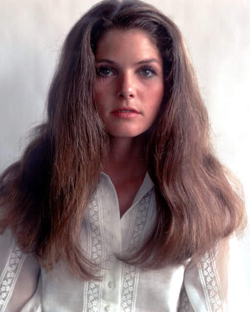 Lois Chiles sexy hairs