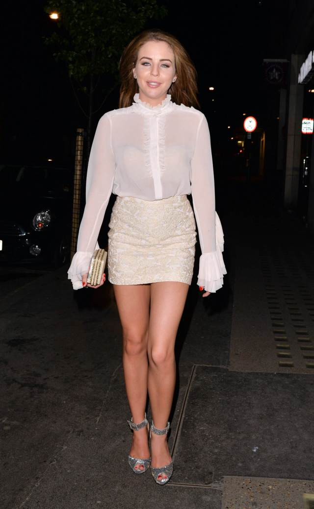 Lydia Bright thighs pic (2)