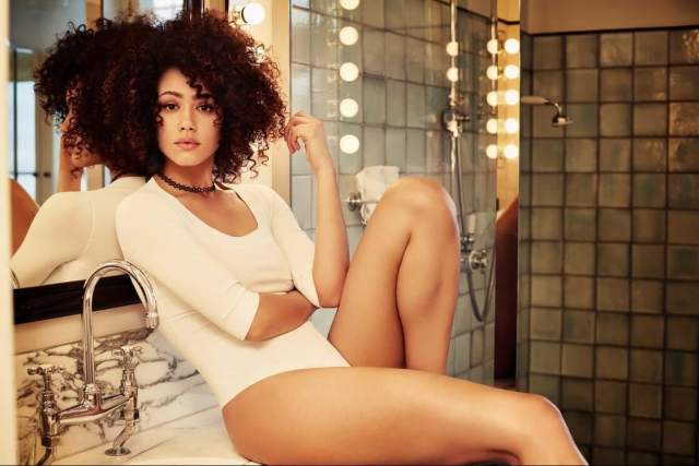 Nathalie Emmanuel sexy thighs pic