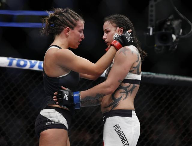 Raquel Pennington fighting (3)