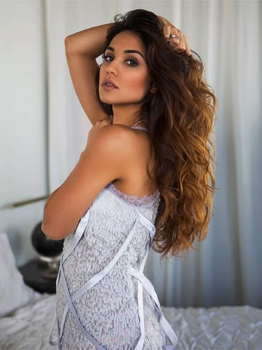 Summer Bishil picture