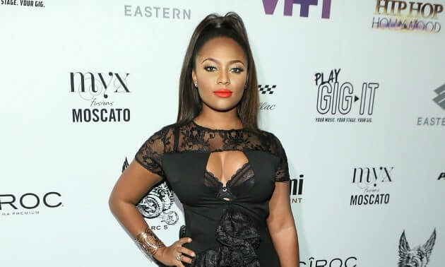 Teairra Mari sexy cleavage pictures