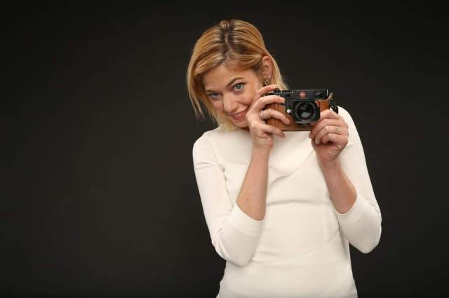 analeigh tipton with camera