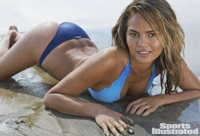chrissy teigen hot cleavage picture