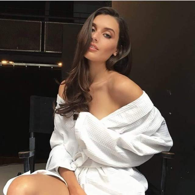 jessica clements gorgeous
