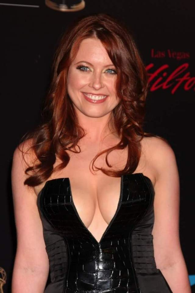 melissa archer awesome cleavage