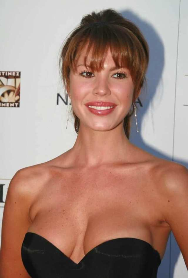 nikki cox cleavage