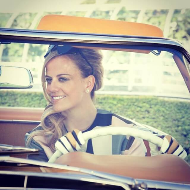 susie wolff driving the car