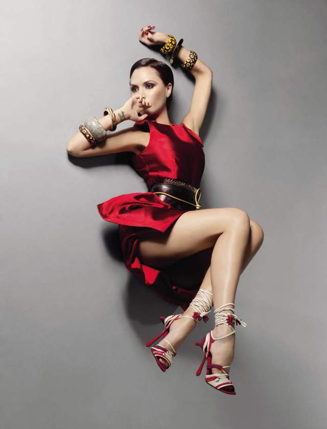victoria beckham hot leges