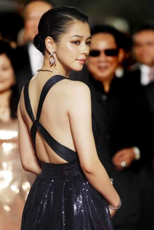 vivian hsu hot back01