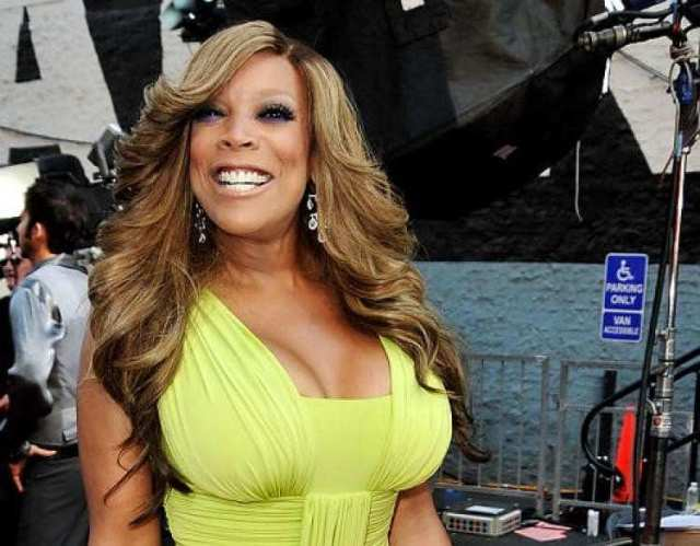 wendy williams hot cleavage01