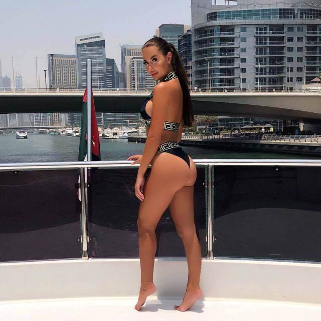 yazmin oukhellou sexy thighs