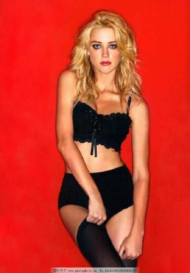 Amber-Heard-sexy-pictures-1
