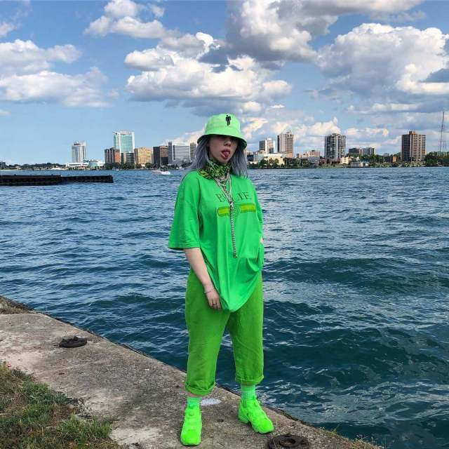 Billie Eilish awesome pic