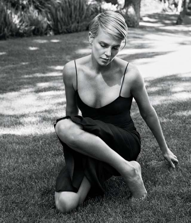Charlize-Theron-Sexy-Feet-Picture-2