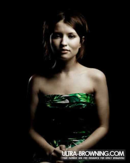 Emily Browning sexy busty pic