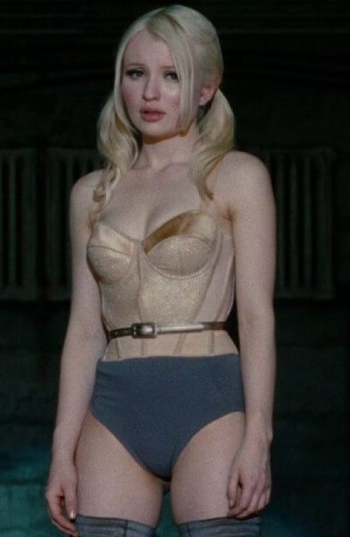 Emily Browning sexy busty pictures (2)