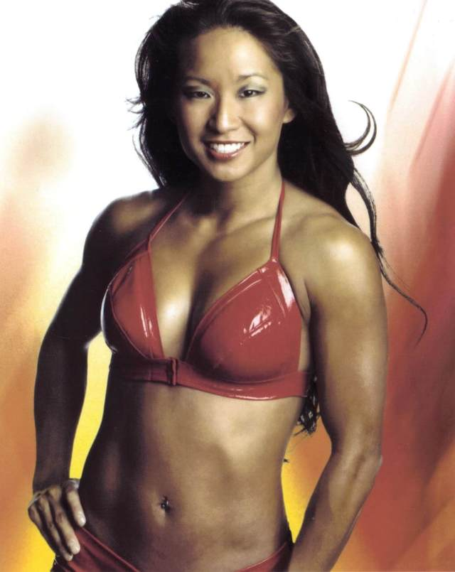 Gail Kim sexy cleavage pic (2)