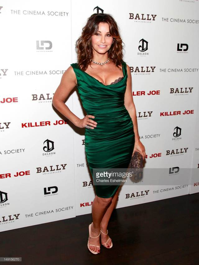 Gina Gershon hot green dress