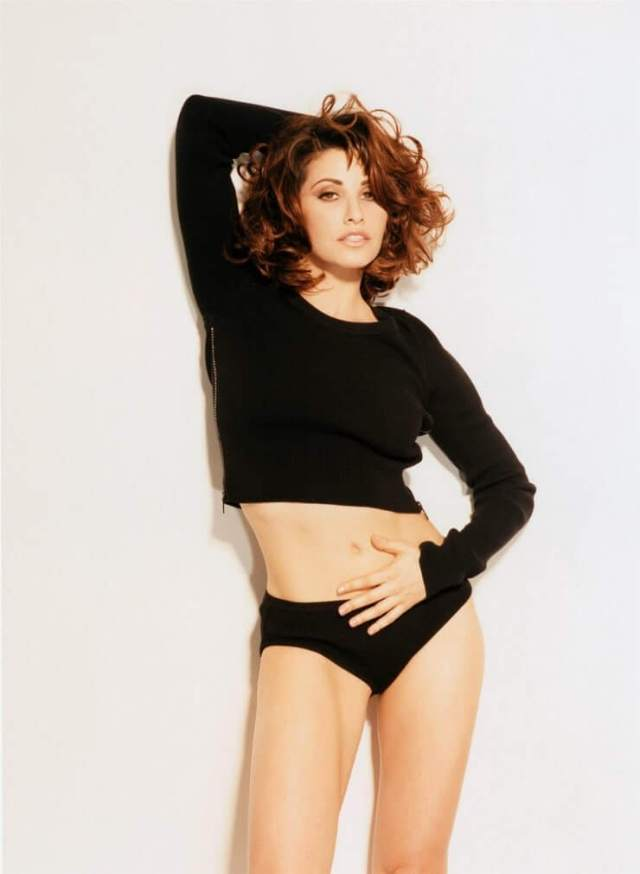 Gina Gershon sewxy black dress