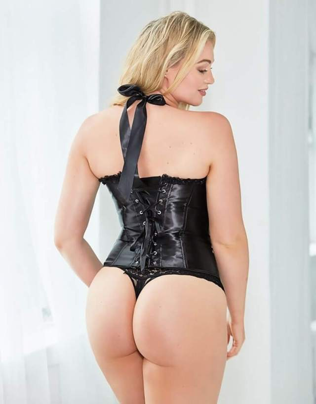 Iskra lawrence hot booty pic (2)