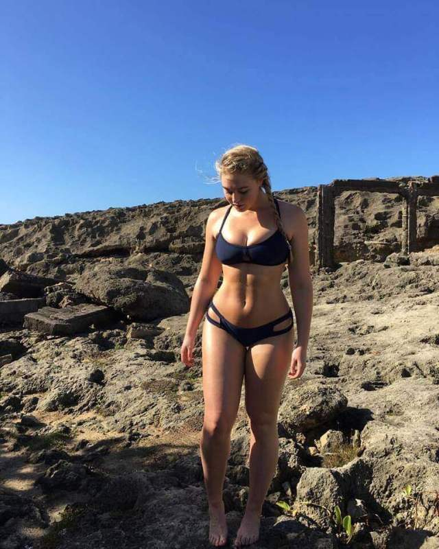 Iskra lawrence sexy photo