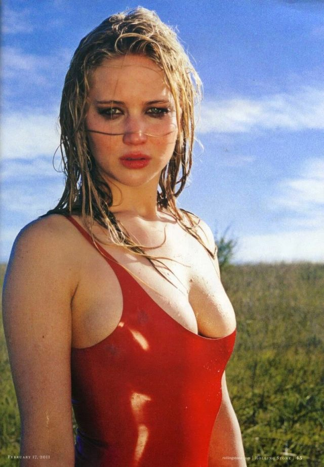 Jennifer Lawrence sexy cleavage picture