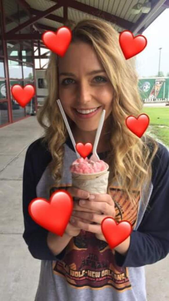 Jessica Rothe hot smile pictures (2)