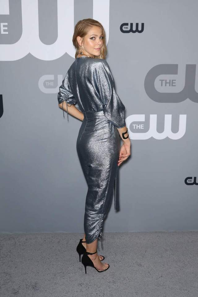 Lily Cowles butt pic