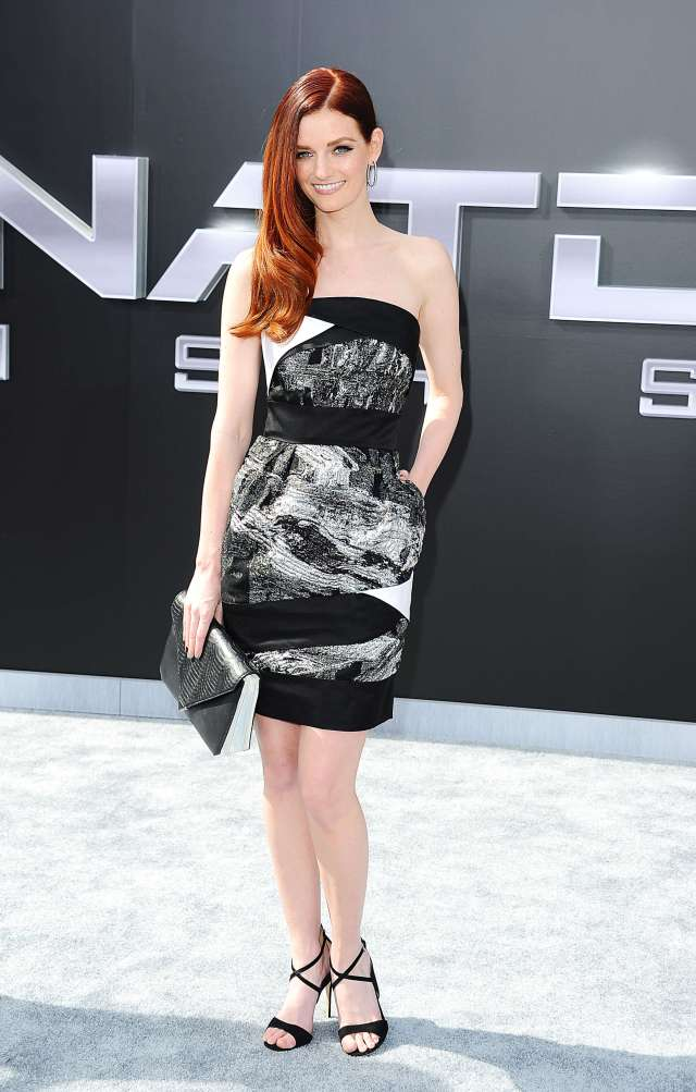 Lydia Hearst thighs hot pic