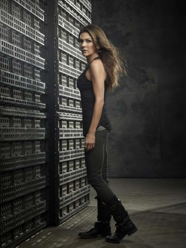 Paige Turco sexy black dress pic (2)-min