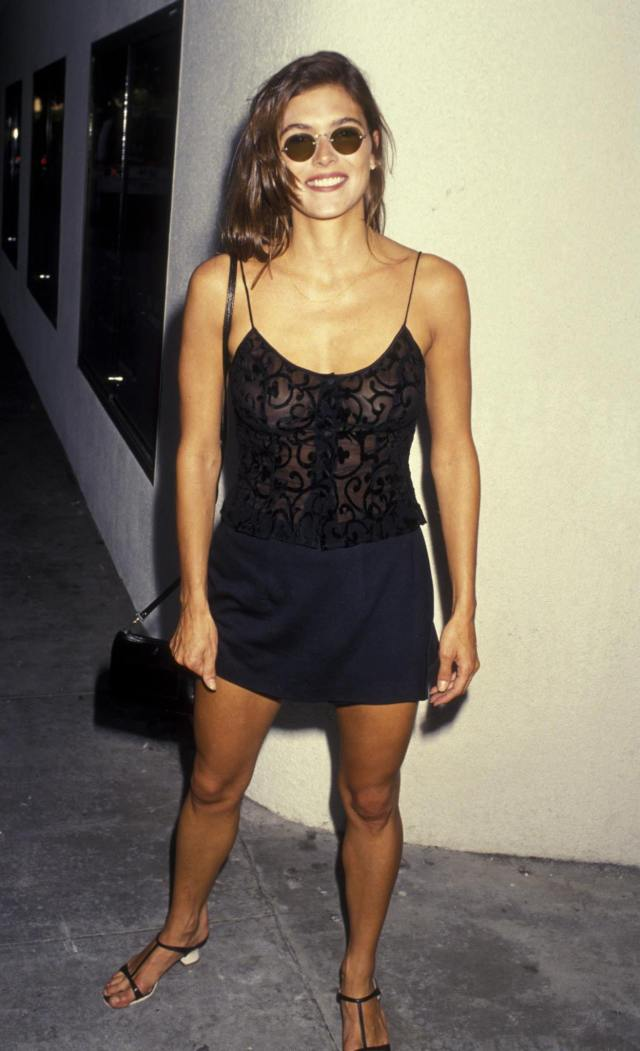 Paige Turco sexy black dress pic-min