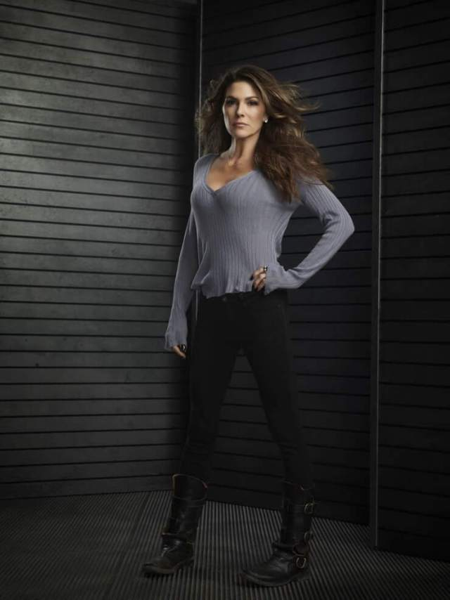 Paige Turco sexy tite dress