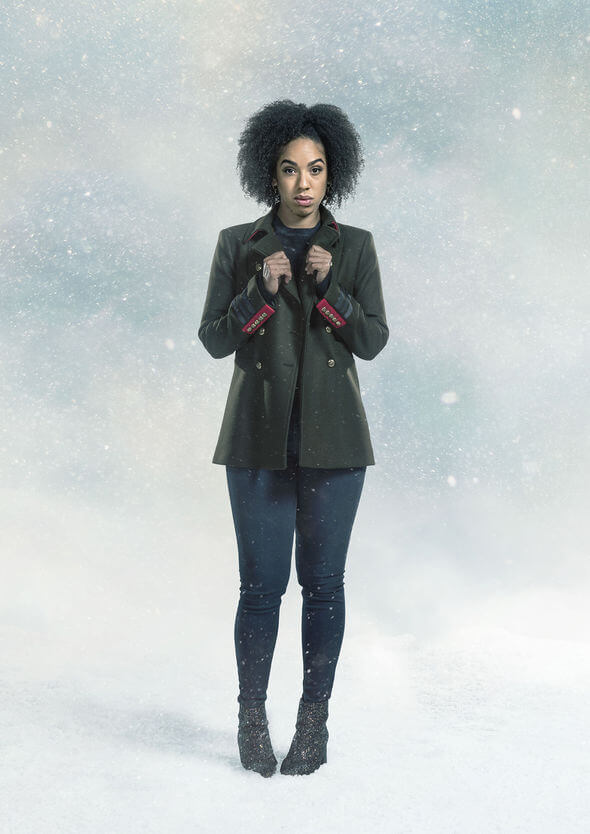 Pearl Mackie sexy pictures