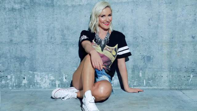 Renee Young hot photo