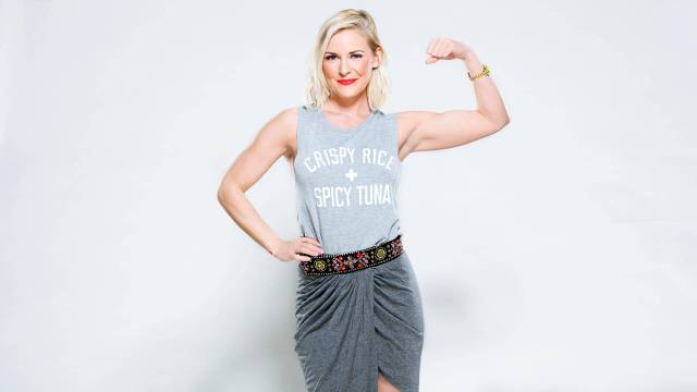 Renee-Young-sexy-pic