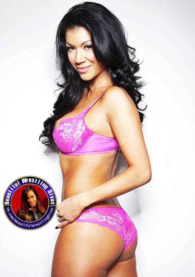 Rosa Mendes sexy thighs (2)
