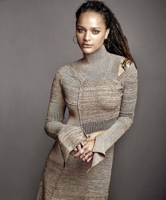 Sasha Lane awesome look pic