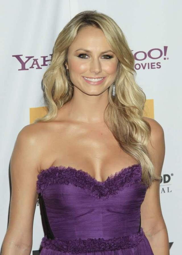 Stacy Keibler cute smile (2)