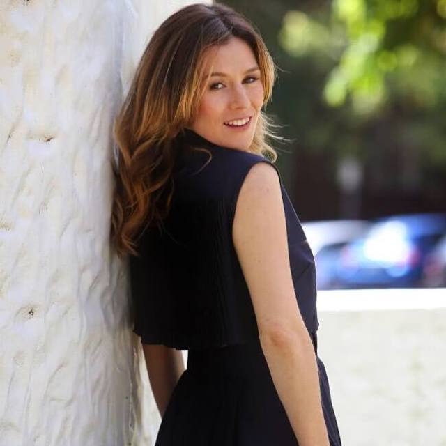 Yael Stone hot side pictures