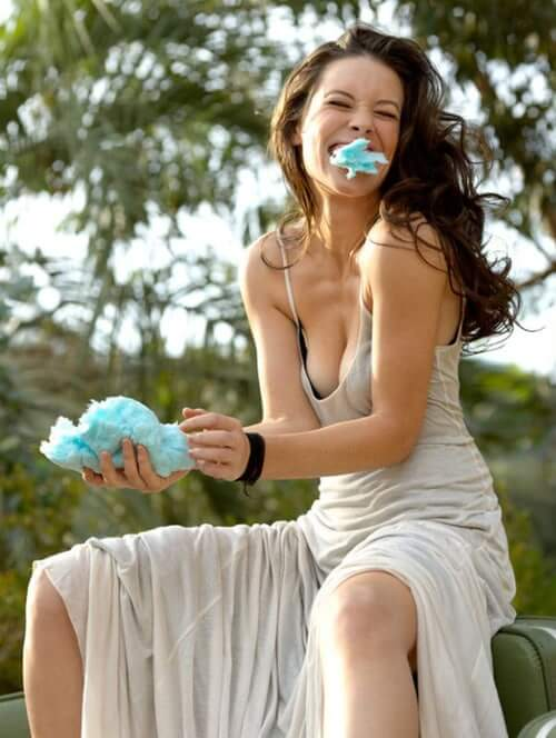 evangeline lilly awesome pic