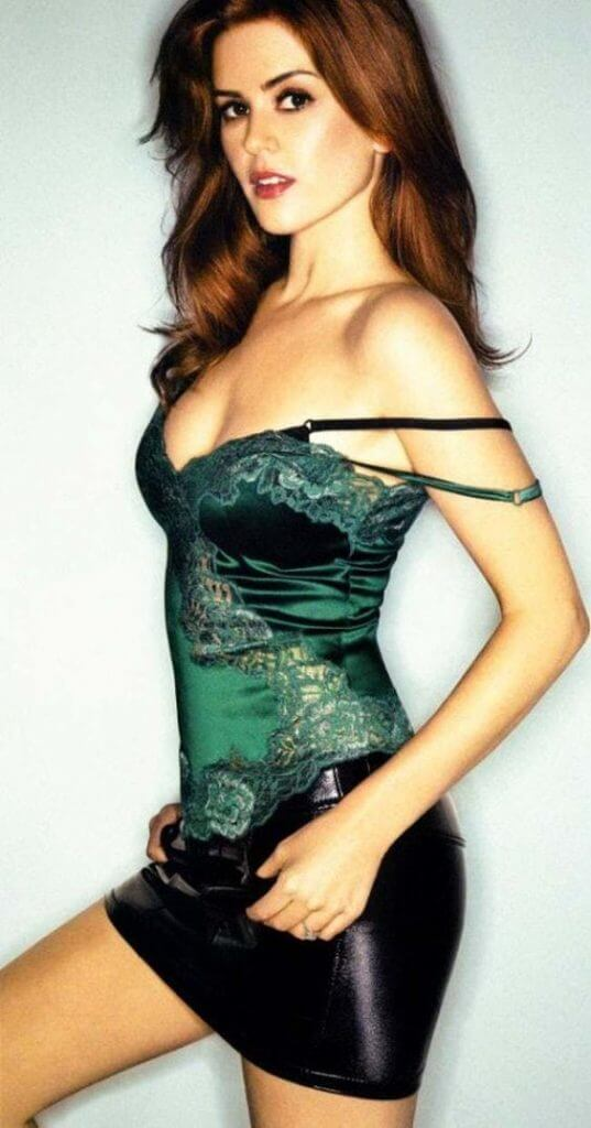 isla-fisher-green-dress-537x1024