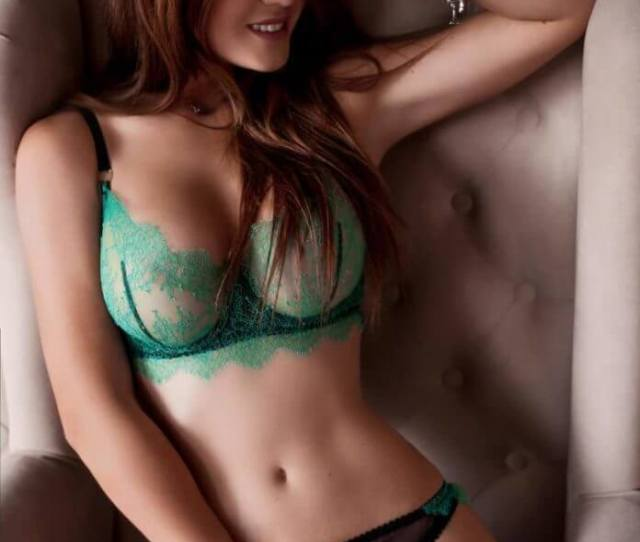 Hottest Isla Fisher Bikini Pictures Will Rock Your World