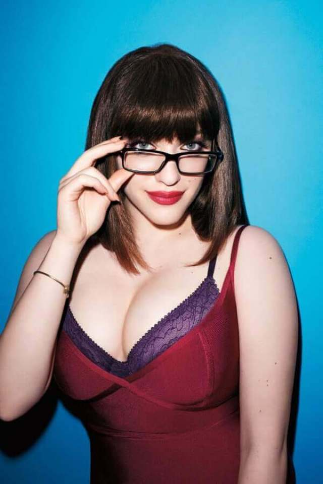 kat dennings hot cleavage pictures