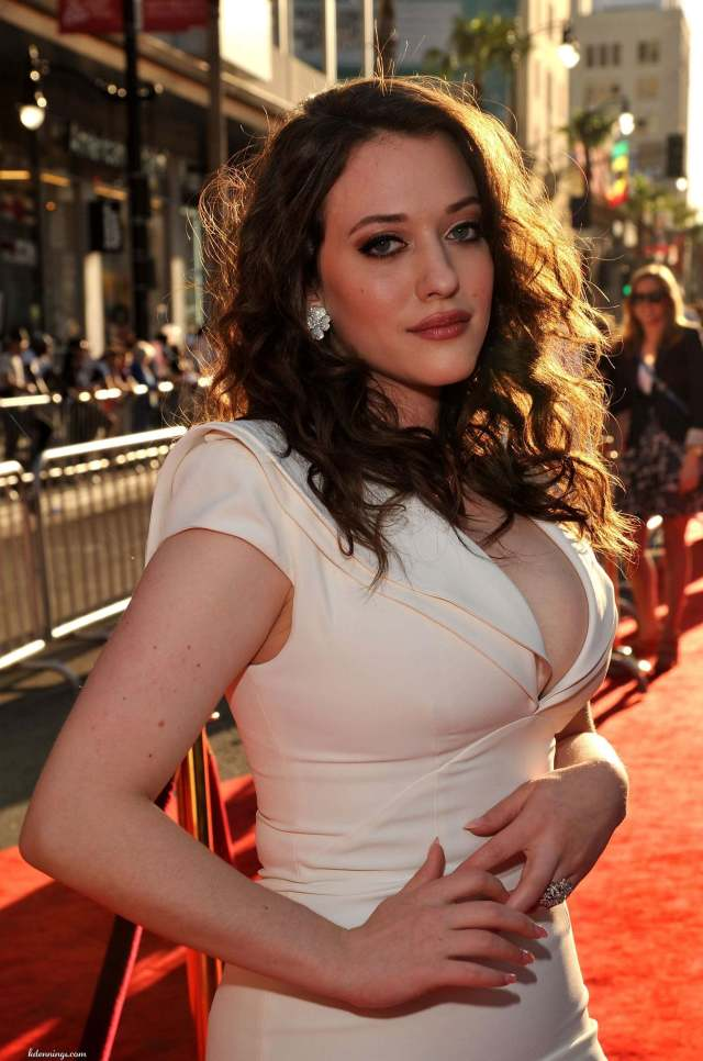 kat dennings sexy side look pics
