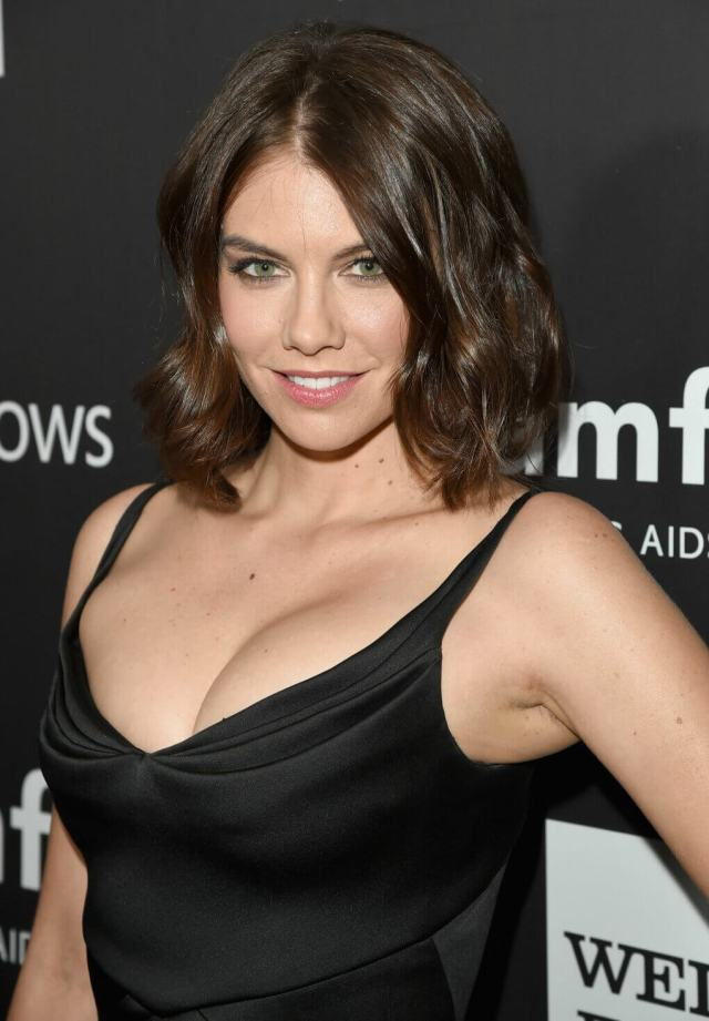 lauren cohan hot cleavage pic