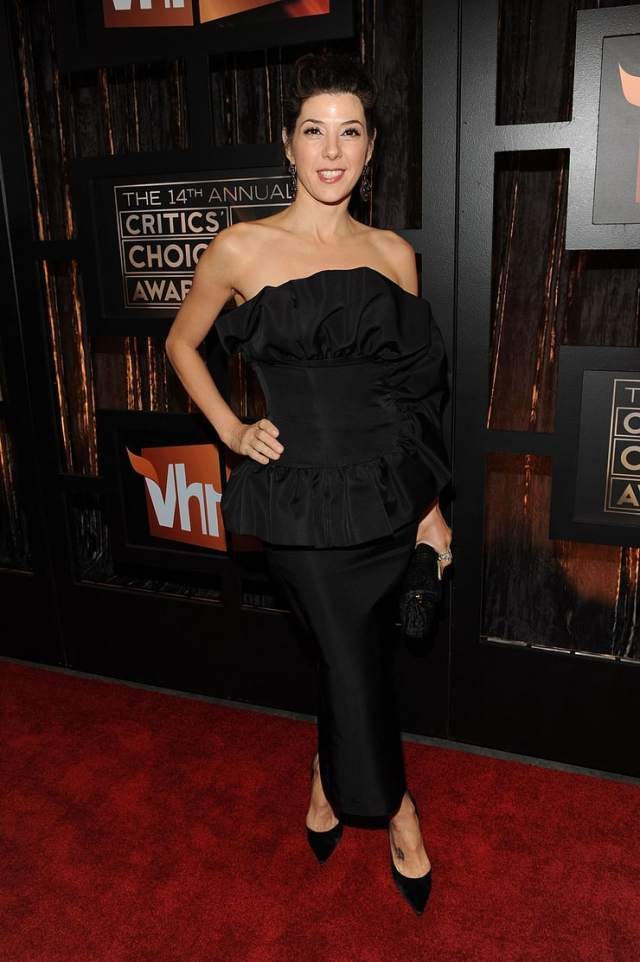 marisa tomei hot cleavage pictures
