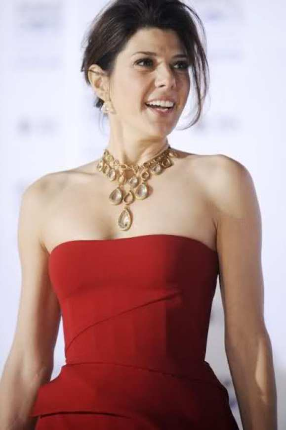 marisa tomei sexy busty pics (2)