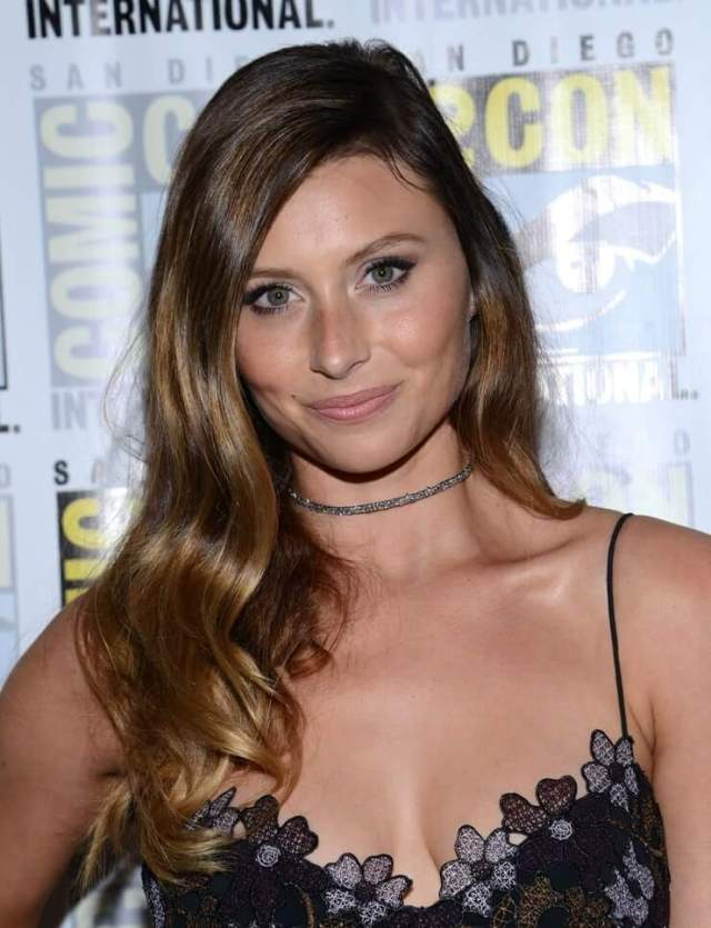 Aly Michalka cleavage pic (1)
